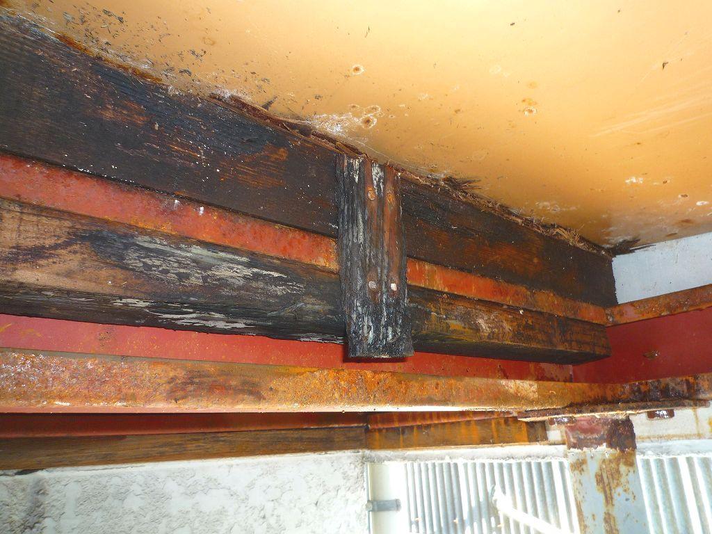 やねきハウス「玄関ポーチ屋根雨漏りリフォーム」