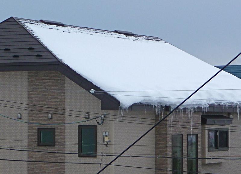 タックの庭仕事 -黄昏人生残日録-「≪住宅の屋根の形状と積雪≫ 」