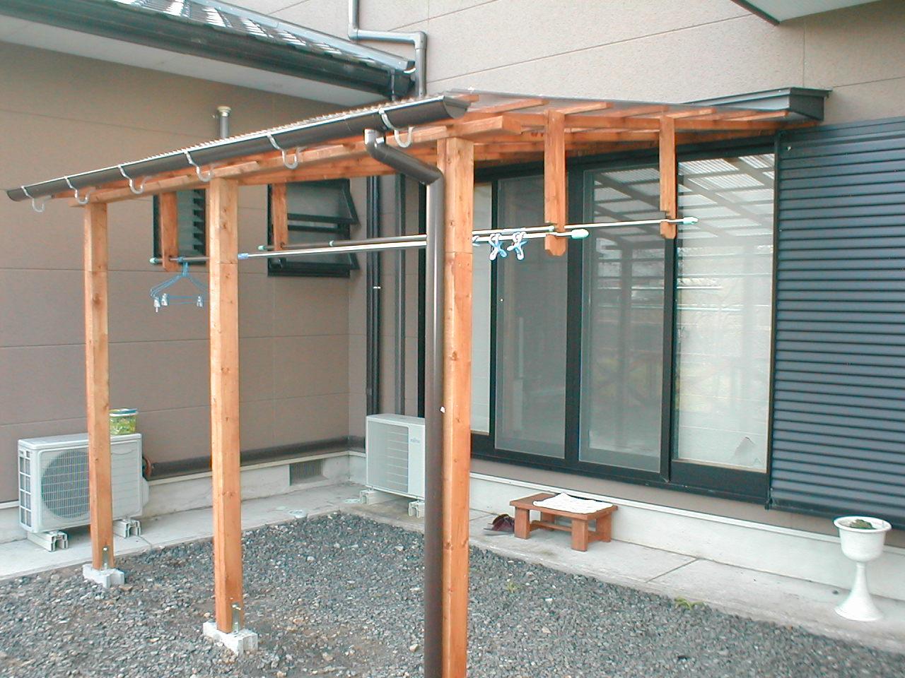 洗濯に便利なテラス屋根